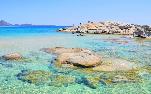 Costa-Rei-Sardegna-scogli-acqua-trasparente